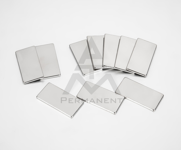 Sheet neodymium magnet nickel coating for electronic