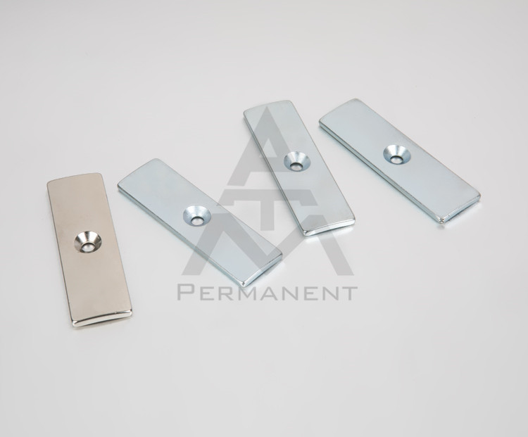 Tile rare earth magnet with hole with NdFeB magnetic material