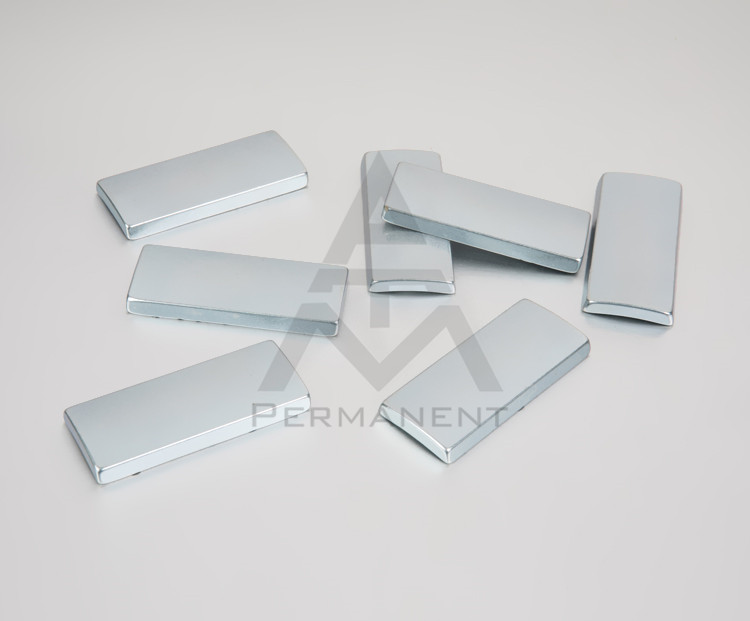 Tile shape permanent magnet with neodymium magnetic material R105xR118x46mm